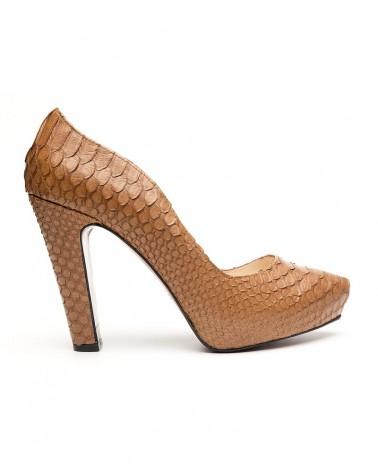 Zapato plataforma oculta y tacón ancho