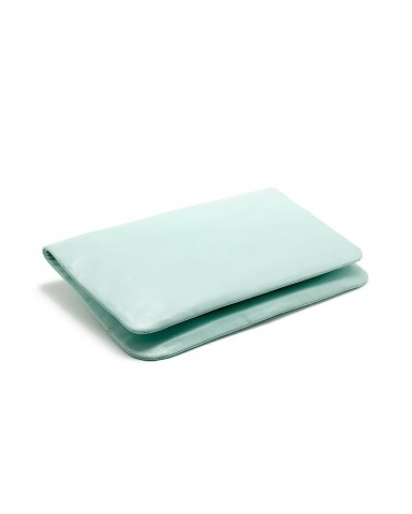Bolso sobre en piel verde agua